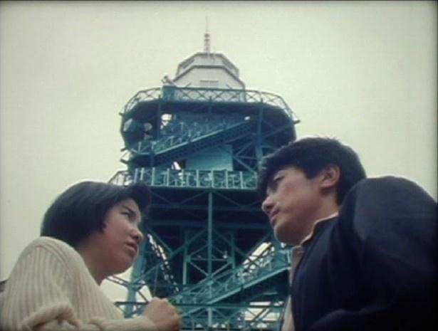 ヒロインを演じるのは大林宣彦監督作への出演でも知られる柴山智加(『展望台のある島』)