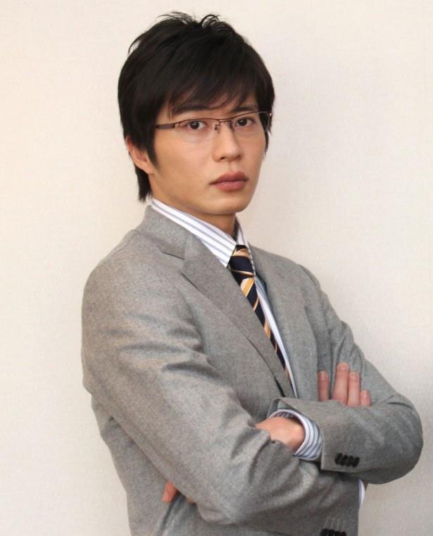サイバー犯罪対策課の捜査官・岩月彬役の田中圭