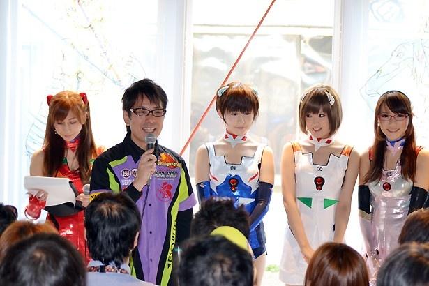 エヴァレーシング2輪チームの鶴田竜二監督も登壇
