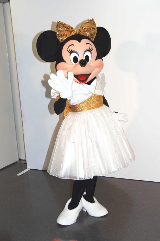ミニーマウスは、サプライズゲストとして登場