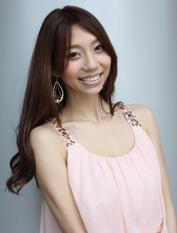 『暗闇から手をのばせ』で主演を務めた小泉麻耶