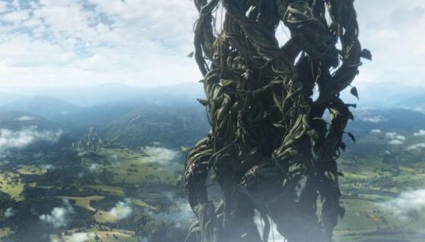 巨大な豆の木が天に伸びていく映像は圧巻