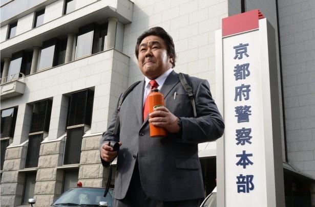 石塚英彦が巨漢刑事を熱演する「刑事110キロ」は4月25日(木)からスタート!
