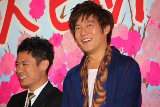 最初はふたりとも笑顔だった。伊藤淳史と小出恵介
