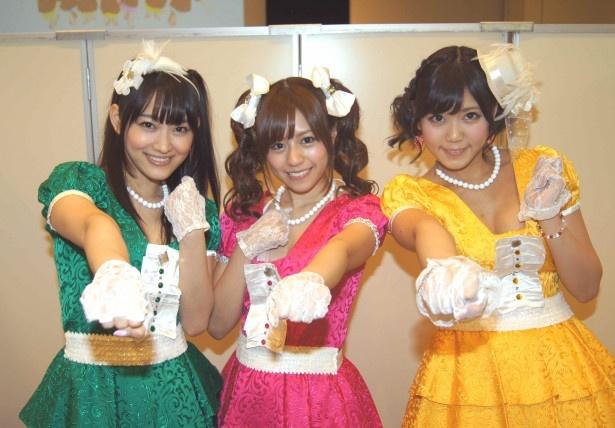 プルショウ(西野翔)、プルカワ(瑠川リナ)、プルサエ(篠原冴美)(写真左から)