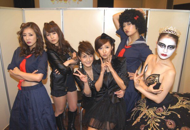初音みのり、坂本りおん、川村りか、川村えな、小倉遥、山口愛実(写真左から)