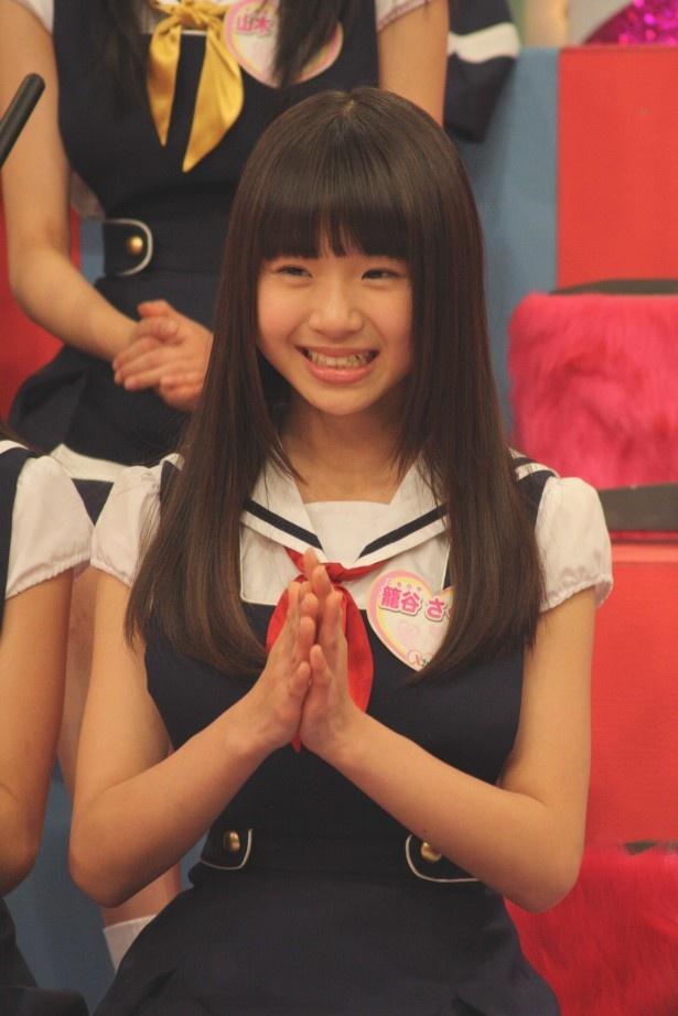 """籠谷さくらは元気良く、「武井咲さんからつけてもらったニックネームは""""ウィー""""です!」"""