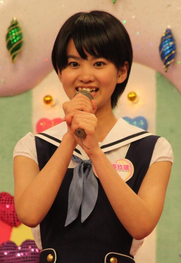 """大西亜玖璃は、「武井さんから""""アグメーション""""とニックネームをつけていただきました!必殺技みたいな名前ですが(笑)、よろしくお願いします!」"""