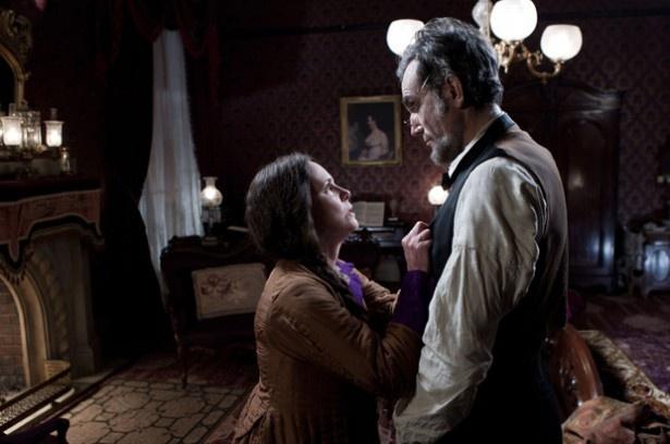 アメリカ史上最も愛された大統領リンカーンを、ダニエル・デイ=ルイスが熱演