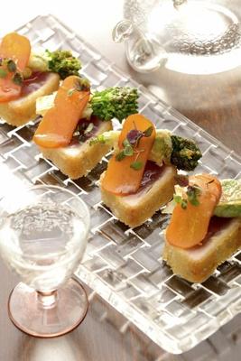 有名ホテルの一流シェフが作る豪華フードと共に日本酒とワインのマリアージュを堪能しよう!