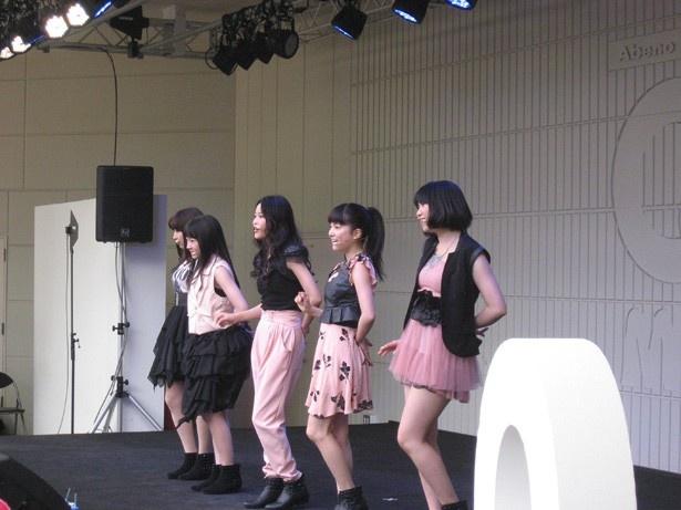 2013年3月17日、あべのキューズモールでミニライブ!