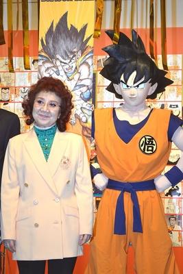 オープニングセレモニーに駆けつけた孫悟空と声優の野沢雅子さん