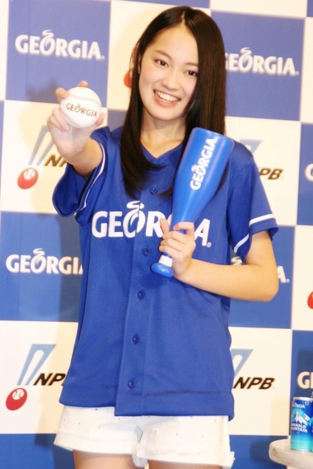 「地元の福岡ソフトバンクホークス、選手では内川聖一さんのファンです」と語る福岡出身の吉本実憂