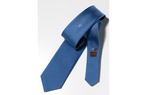 サムライジャパンのオリジナルカラー・ブルーのネクタイをエルメスが提供!