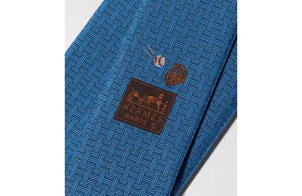 サムライジャパンには、当然野球のアイコンのモチーフのネクタイが提供