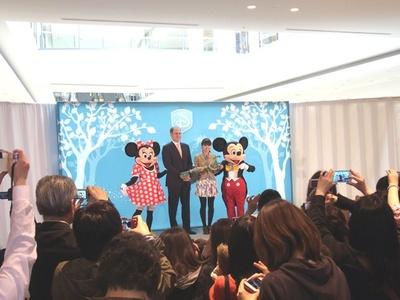 オープニングイベントにはミッキーマウス&ミニーマウスも登場!
