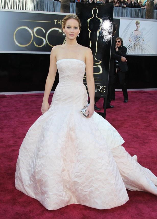 【写真を見る】今やハリウッドで最もホットで人気のある女優になっているジェニファー・ローレンス