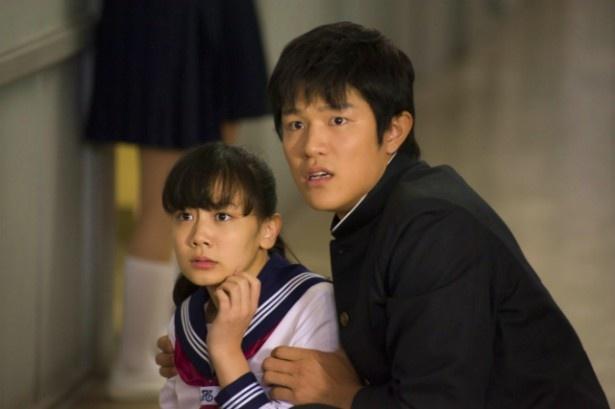 『HK 変態仮面』は4月13日(土)より全国公開