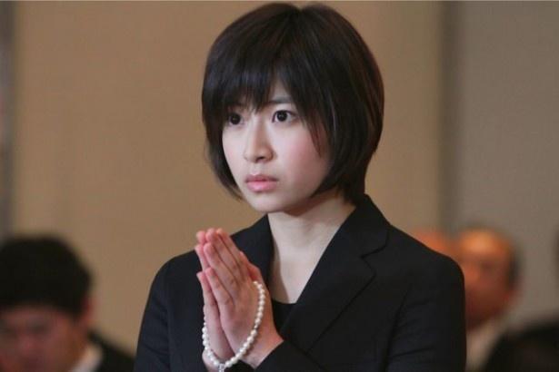 【写真を見る】南沢奈央主演ドラマ「お父さんは二度死ぬ」の劇中写真