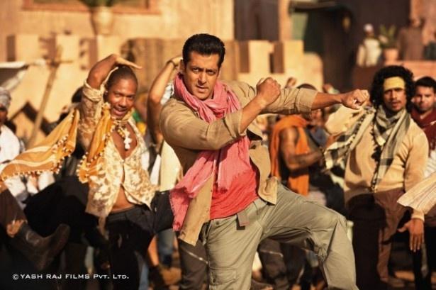 【写真を見る】インド映画ならではのダンスシーンも大きな見どころだ