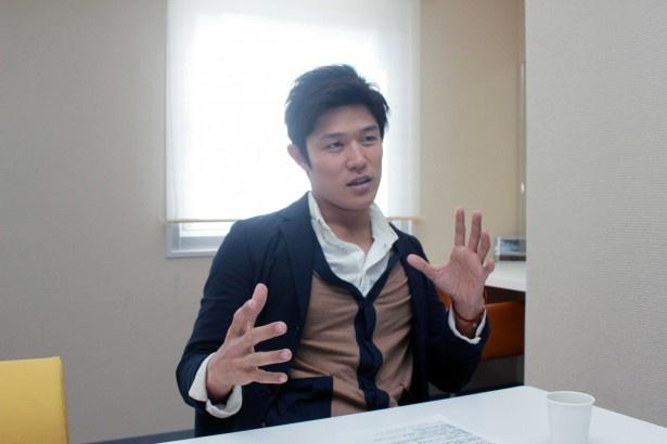 「日本のヒーローはこれだと思ってもらえればうれしい。なかなか難しいかな」と笑う
