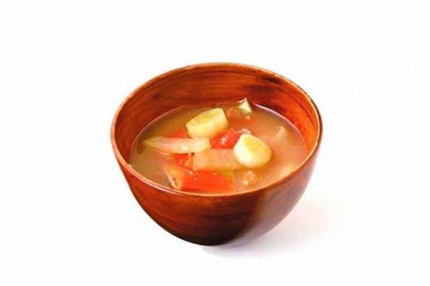 ベジブロスを味噌汁にすると、まろやかな旨みがプラスされて絶品!