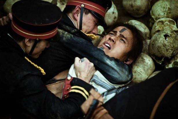 原住民による抗日暴動が描かれる