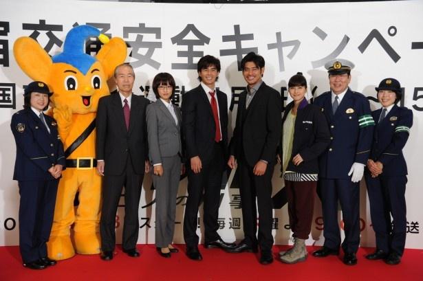 現役の警察関係者と共にイベントに登壇した伊藤英明、坂口憲二、夏菜、内田有紀ら