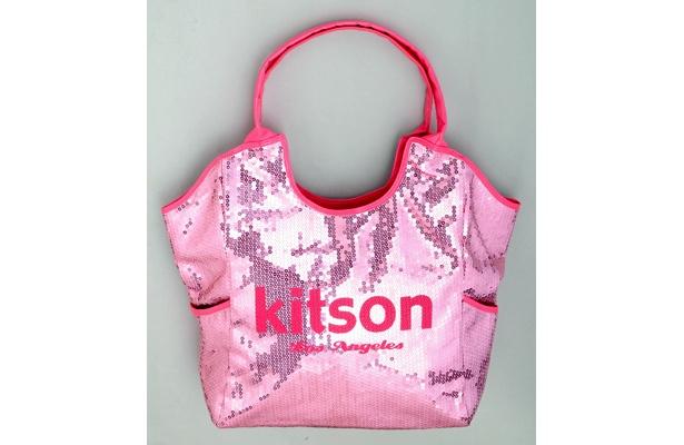 スパンコールが輝く「kitsonスパンコールトートバッグ」(9975円)は、3月下旬発売予定!