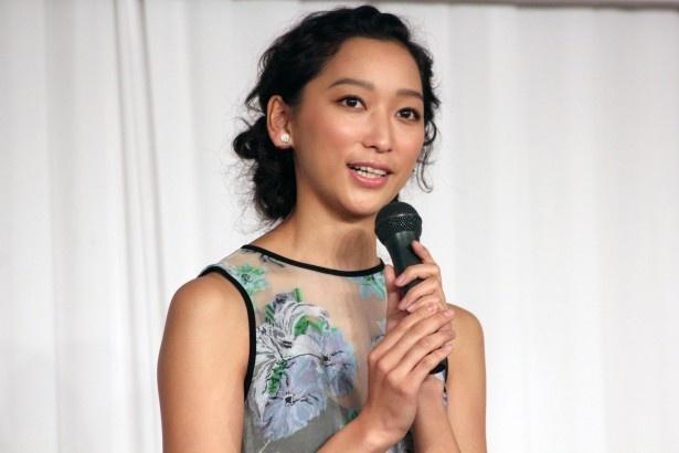 新ドラマ「幽かな彼女」で香取慎吾の相棒となる幽霊・アカネ役の杏