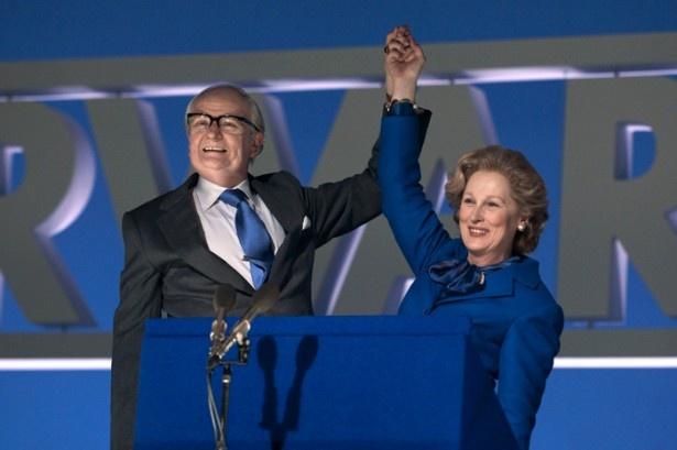 『マーガレット・サッチャー 鉄の女の涙』ではこれまでたどってきた政治家、妻としての半生を振り返る