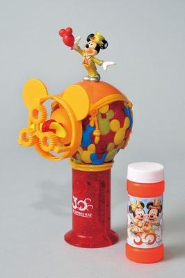 ミッキー形フレームからシャボン玉が飛ばせる「バブルメーカー」(1800円)