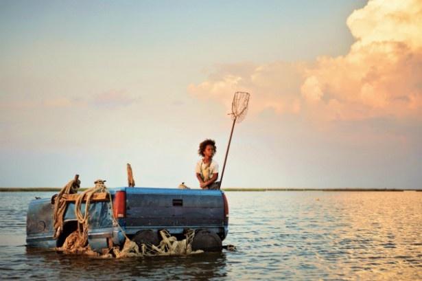 舞台は閉鎖的な河川近くのコミュニティー、バスタブ島