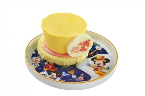 「マンゴームースケーキ、スーベニアプレート付き」(700円)