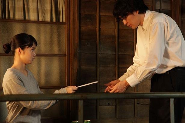 『舟を編む』で見せる松田龍平と宮崎あおいの、微笑ましいシーンにも注目!