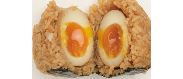 魚沼倶楽部の「煮玉子おむすび」¥262