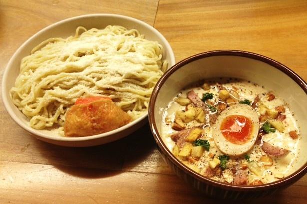 「白河手打中華そば一番いちばん」の「HKカルボナーラつけ麺」(900円)
