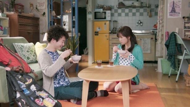 前田敦子がルームウェアで、カワイイ弟と口喧嘩!