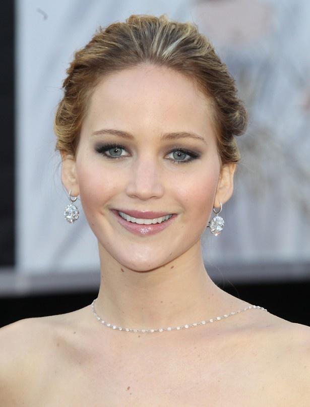 【写真を見る】ハリウッド女優たちの歯なし写真がネットで掲載。ジェニファー・ローレンスもその一人