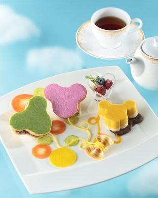 ハピネス・バルーンをモチーフにしたサンドウィッチやデザート、ピクルスに感激!「ドリーマーズ・ラウンジ」のセット