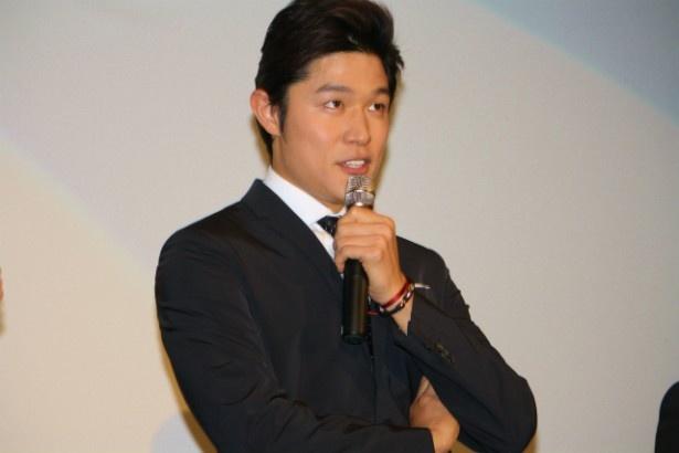 『HK変態仮面』で主演を務めた鈴木亮平
