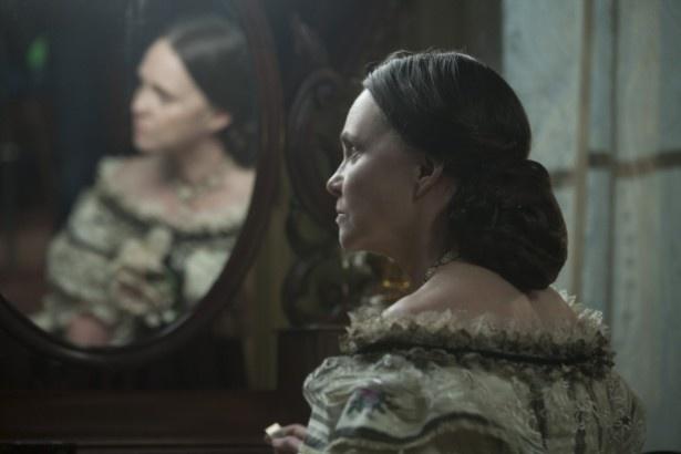 リンカーンの妻メアリー・トッド・リンカーンを演じたサリー・フィールド