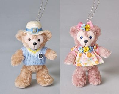 【写真を見る】「ミッキーとダッフィーのスプリングヴォヤッジ」用コスチュームを着たダッフィー