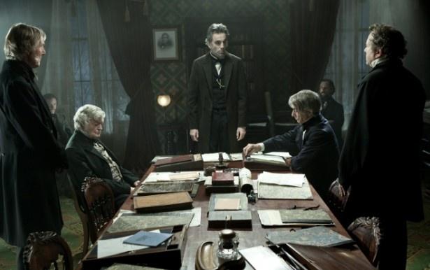 全ての人間に真の自由を、という理想に向かって突き進むリンカーンの姿を映し出す