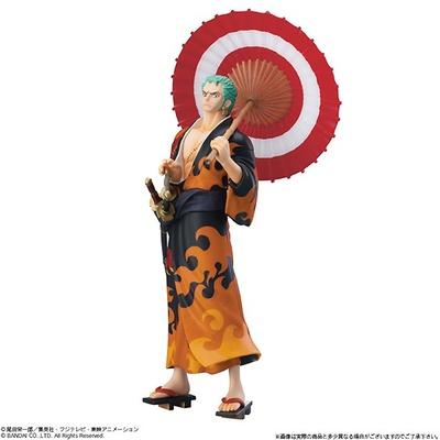 【写真を見る】炎柄の着物が似合うゾロ。3本の刀の造形にも注目!