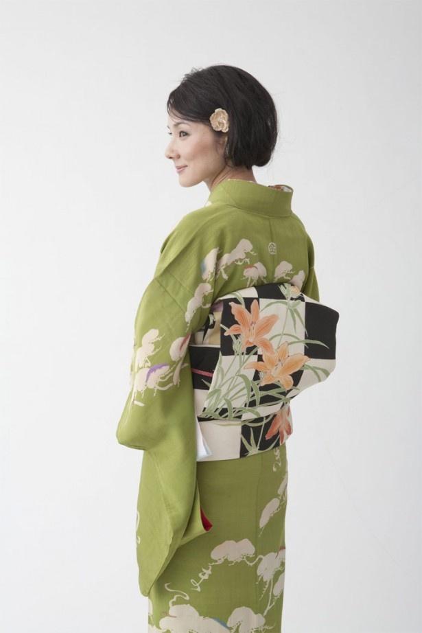 吉田 羊さん、後ろ姿も美しかったので1枚。こちらは、本誌にも掲載していないカットです!