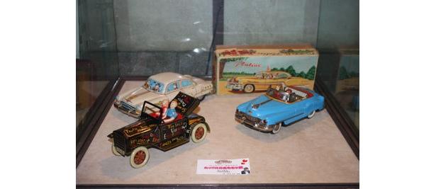 輸出用にアメリカを意識したブリキ製おもちゃ