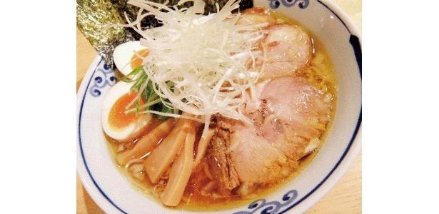 だんらんめんスペシャル(950円)はお得な全部乗せ。しなやかな食感の麺は人気店「麺屋青山」の特注麺を使用