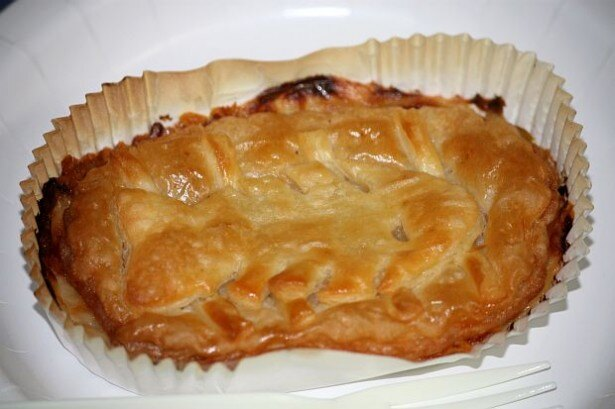 ニコニコ超会議2で「カボチャとニシンのパイ」が販売されている