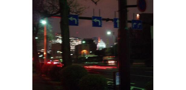 国会議事堂と東京タワーが見えます。高層ビルの夜景にもテンションアップ